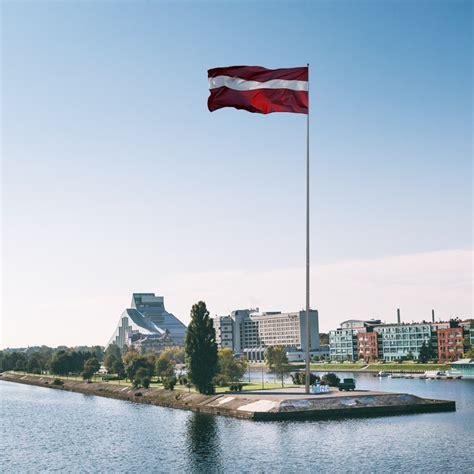 PAR PROJEKTU   Latvijas Karogs