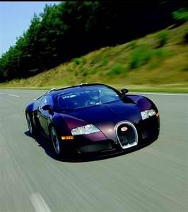 La Voiture La Plus économique : photo cr e en 2005 elle est actuellement la voiture de s rie la plus rapide du monde ~ Medecine-chirurgie-esthetiques.com Avis de Voitures