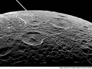Nasa's Cassini Probe Set for Last Flyby of Saturn's Moon ...