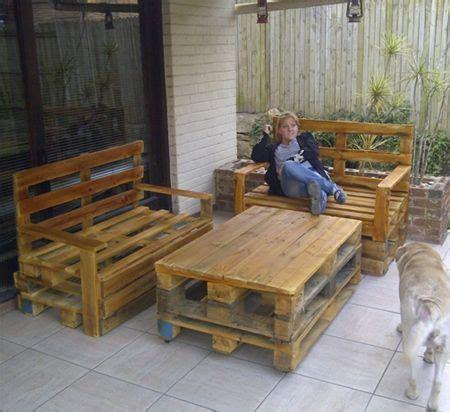 pallet outdoor furniture    older pallets