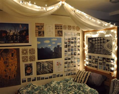 These diy ideas range from easy to expert, with inspiration for every room in your home. Decorations Tumblr Bedroom With Posters   Awesome bedrooms, Wall decor bedroom, Diy wall decor ...