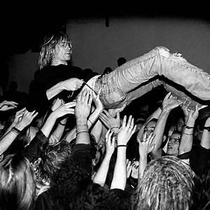 Kurt cobain, Smells like teen spirit and Kathleen hanna on ...