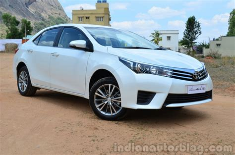 toyota corolla altis diesel review front  quarter