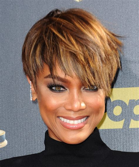 tyra banks haircut tyra banks short straight casual layered pixie hairstyle
