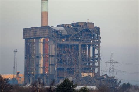 gwynedd welder narrowly avoids didcot power plant collapse