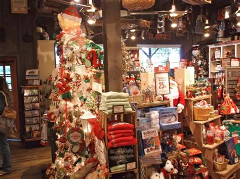 ready  christmas picture  cracker barrel st