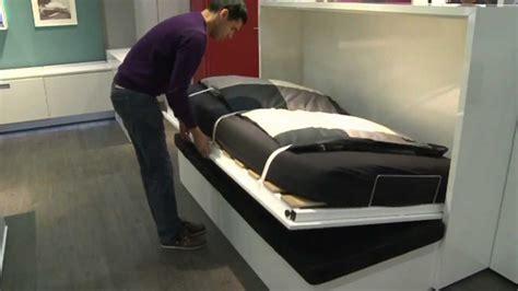 schrankbett mit integriertem sofa h 228 fele verwandlung vom gem 252 tlichen sofa zum praktischen g 228 stebett