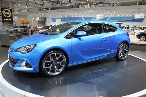 Opel Astra Opc by Opel Astra Opc вікіпедія