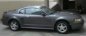 Vendo 2003 Ford Mustang V6  3 8