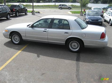 2002 Silver Frost Metallic Ford Crown Victoria Lx