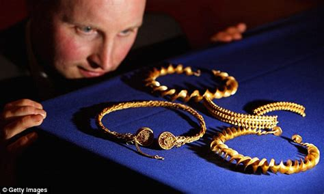 david booths  gold find  stirlingshire amateur