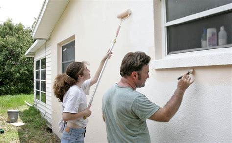 Fassade Streichen Der Vorbereitung Bis Zum Fertigen Anstrich by Fassade Streichen Der Vorbereitung Bis Zum Fertigen