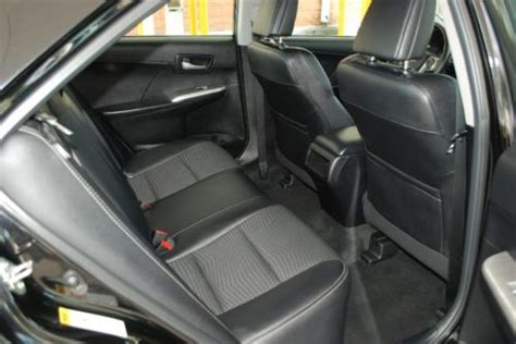 sell   toyota camry se sedan premium interior