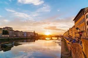 Fluß Durch Florenz : arno river und basilika bei sonnenuntergang florenz italien stockbild bild von florenz ~ A.2002-acura-tl-radio.info Haus und Dekorationen
