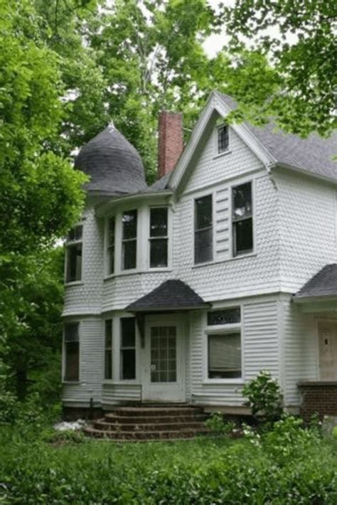 Get in touch with a benton harbor real estate agent who can help you find the home of your dreams in benton harbor. 1910 Fixer Upper In Benton Harbor Michigan   Michigan ...