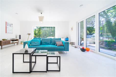Haus Modern Einrichten by Bungalow Haus Innen Wohnzimmer Modern Einrichten