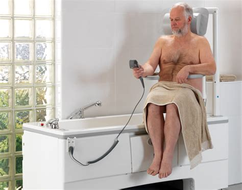 baignoire à porte élévateur de bain salle de bain
