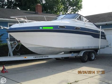 Four Winns Boats Pictures by 1996 Used Four Winns 258 Vista Express Cruiser Boat For