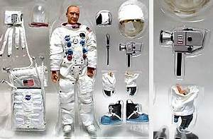 Dragon Astronaut Figure 12 (page 2) - Pics about space