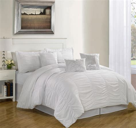 alluring visage  displaying  white comforter sets