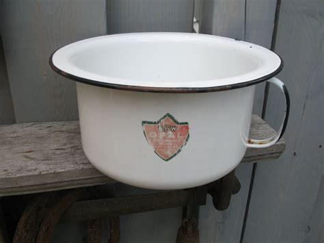 pot de chambre antique 17 best images about pot on metals
