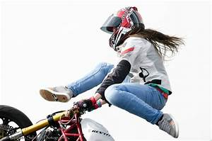 Sarah Lezito - Stuntrider is staying cool this summer with ...