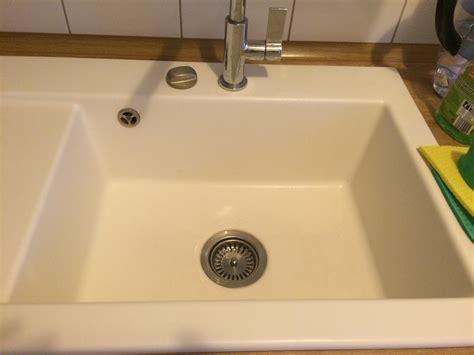 odeur canalisation cuisine odeurs récurrentes dans l 39 évier de cuisine