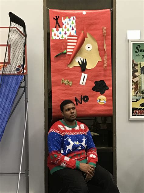 christmas window decorating contest jam blog