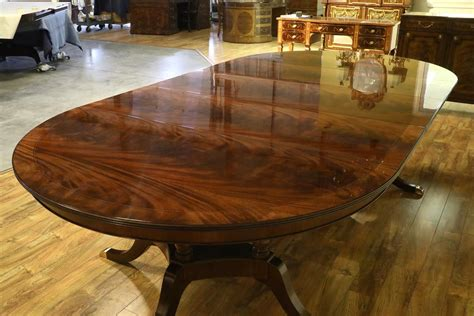 high   dining table   leaves sits