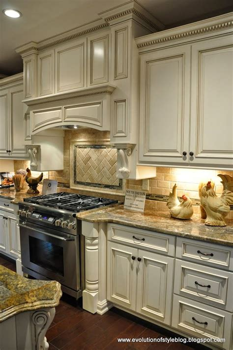 kitchen range cabinet best 25 kitchen hoods ideas on kitchen
