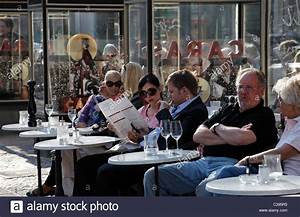 Cafe Caras Berlin : berlin cafes stock photos berlin cafes stock images alamy ~ Indierocktalk.com Haus und Dekorationen
