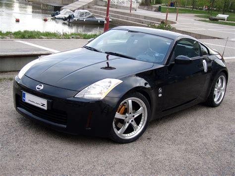 2005 Nissan 350z Photos, Informations, Articles