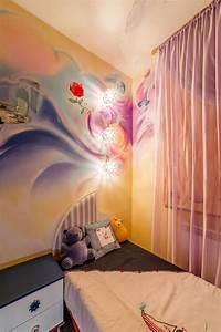 fresque murale dans la chambre denfant 35 dessins joviaux With comment dessiner sur un mur de chambre