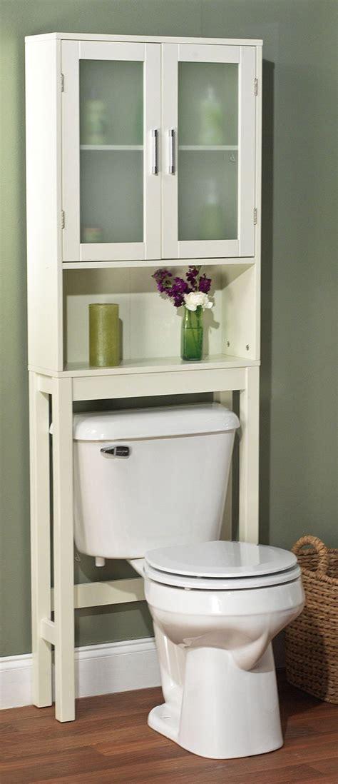 Small Apartment Bathroom Storage Ideas by Best 25 Bathroom Cabinets Toilet Ideas On