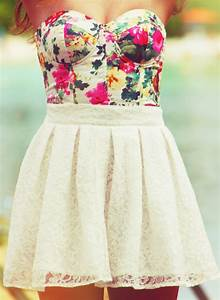 Stalk My Style: Floral Bustier & White Lace Mini - Fashion ...