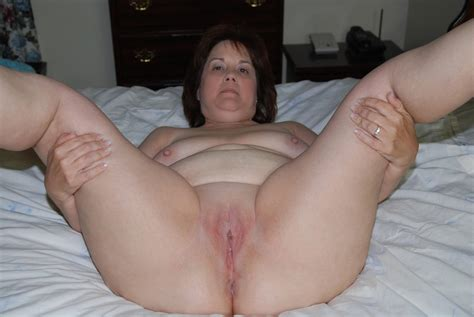 amateur older chunky milf sweet pussy picture 27 uploaded by lonely bi girl 16 on