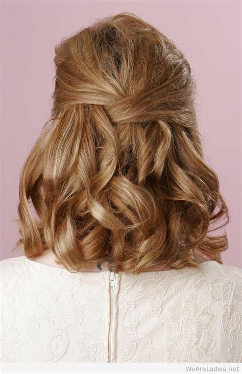 curly hairstyle  medium length hair