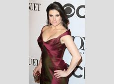 Idina Menzel Height, Workout, diet and Body Measurements