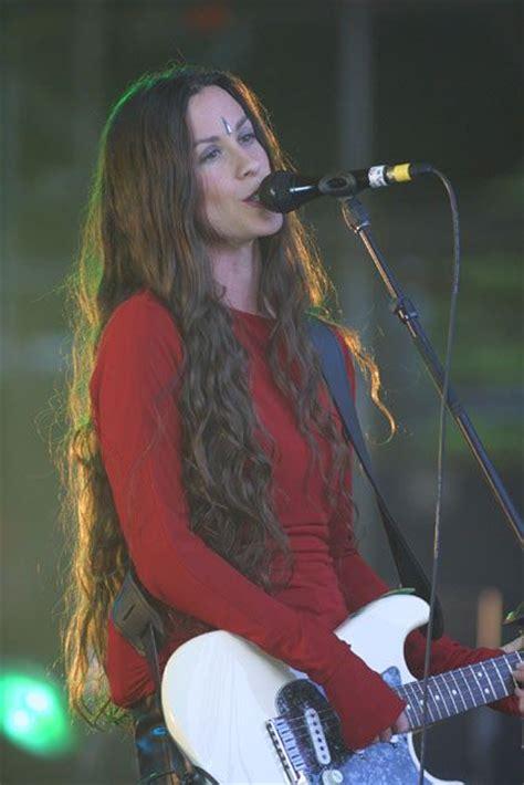 The Hottest Photos Of Alanis Morissette - 12thBlog