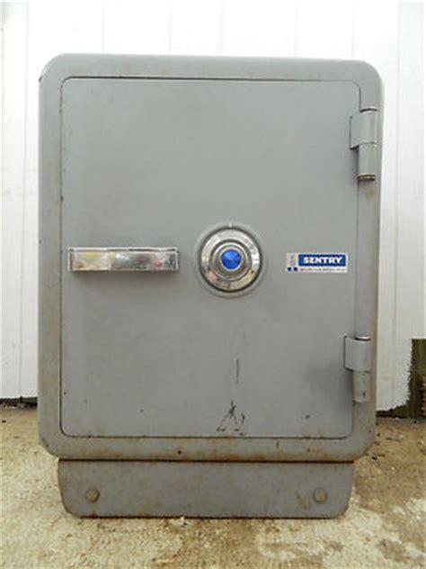 sentry floor safe model 2286 antique safes antique price guide