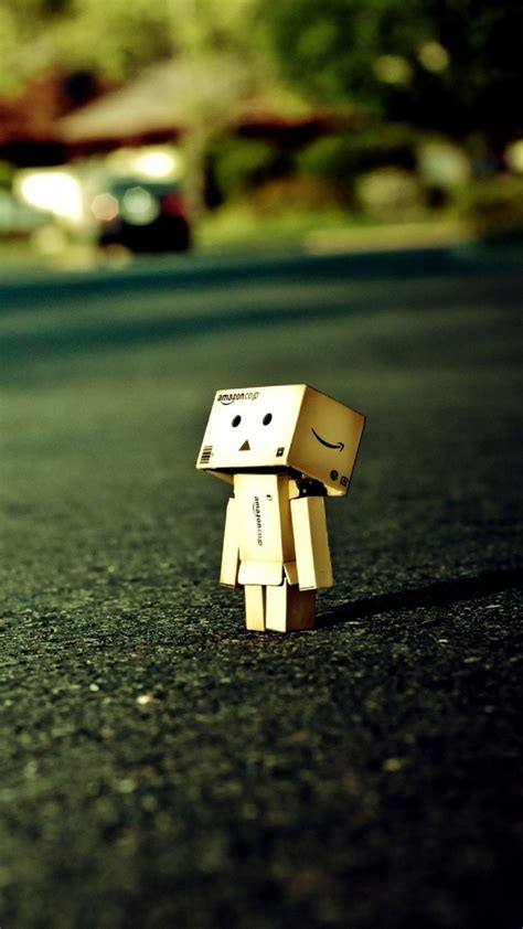 lonely box man close  android wallpaper