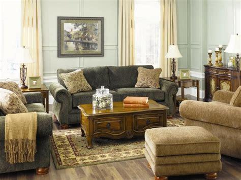 sofa rustika verde mueble salon decoracion rustica en beige y verde pastel