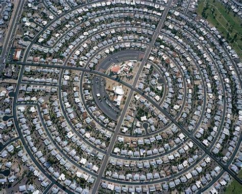 fotos aereas  reflexionar sobre la expansion urbana