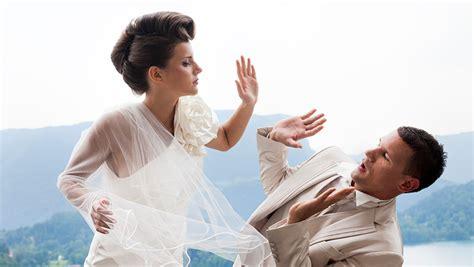 bride reads cheating fiances texts  wedding