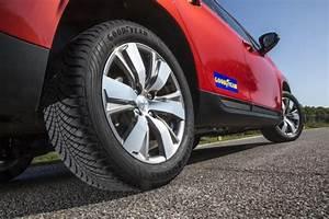Pneus 4 Saisons Michelin : goodyear vector 4seasons le nouveau pneu toutes saisons de goodyear l 39 argus ~ Medecine-chirurgie-esthetiques.com Avis de Voitures