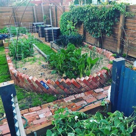 top  gardening blogs  follow  year