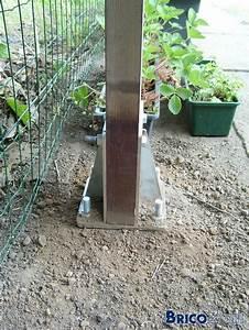 Ancrage Poteau Bois : comment fixer poutres de bois dans le sol ~ Edinachiropracticcenter.com Idées de Décoration