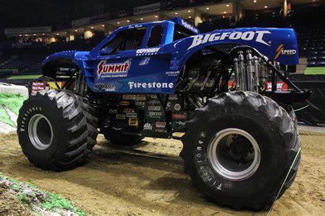 monster trucks videos 2013 youngstown ohio toughest monster truck tour february