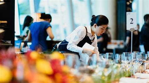 top jobs   hospitality  tourism degree