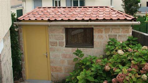 refaire la toiture de sa cabane de jardin